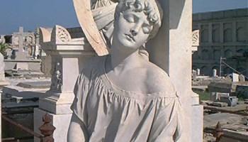 """La """"Bella Durmiente"""" del Cementerio de Reina, en Cienfuegos, Cuba"""