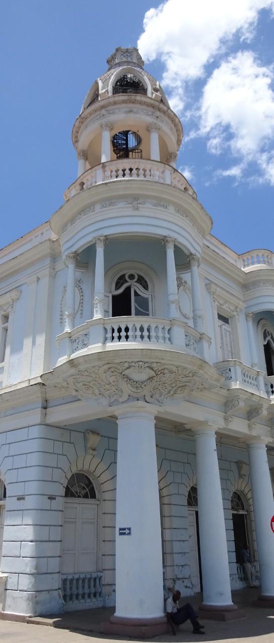 Balcón en el Palacio Ferrer, a 1.3km de Marilope Hostal